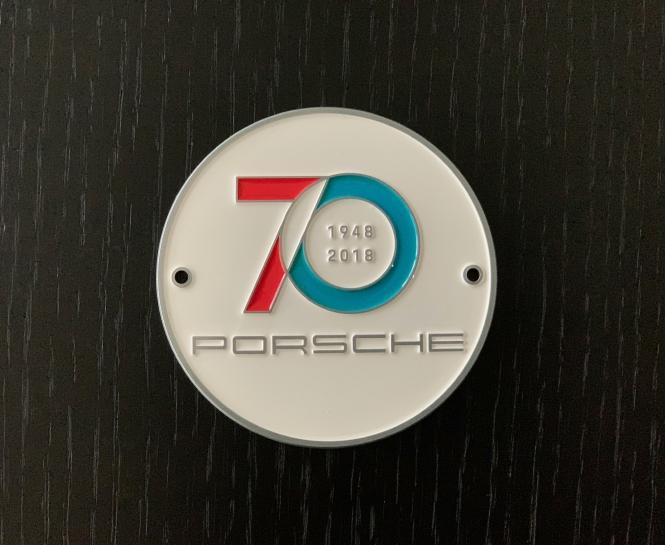 Original 70 Jahre Porsche Plakette-weiß